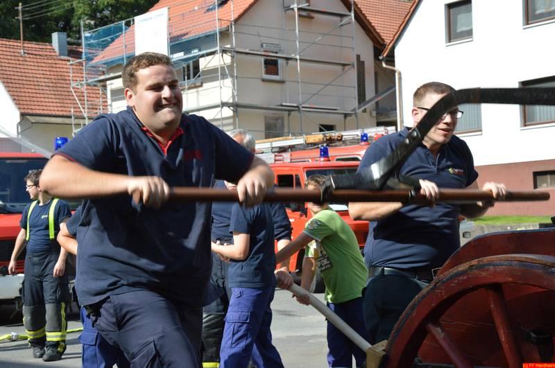 Sie sehen Bilder vom Artikel: 2014 | Sept. - 'Berufsfeuerwehrtag' der Abteilung Jugendfeuerwehr